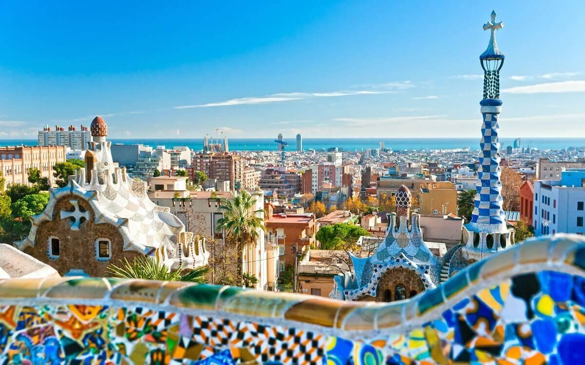Barcelona-European-capital-of-entertainment-Travel-S-Helper