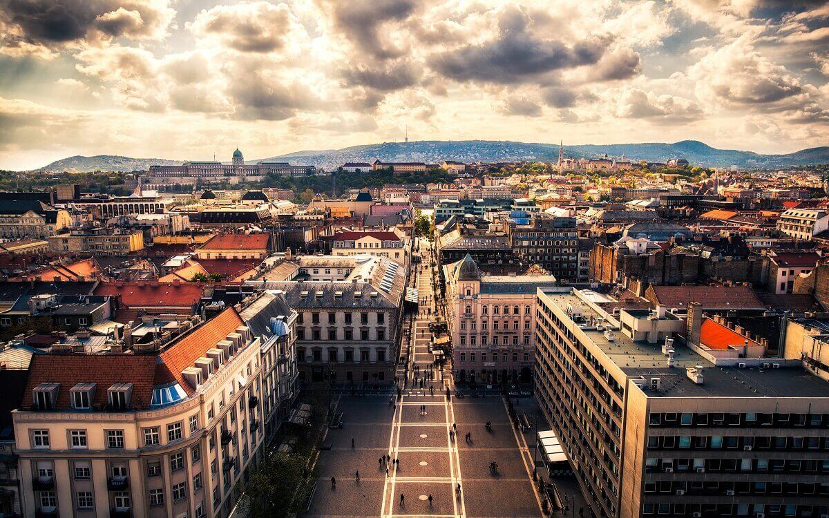 Budapest-European-capital-of-entertainment-Travel-S-Helper