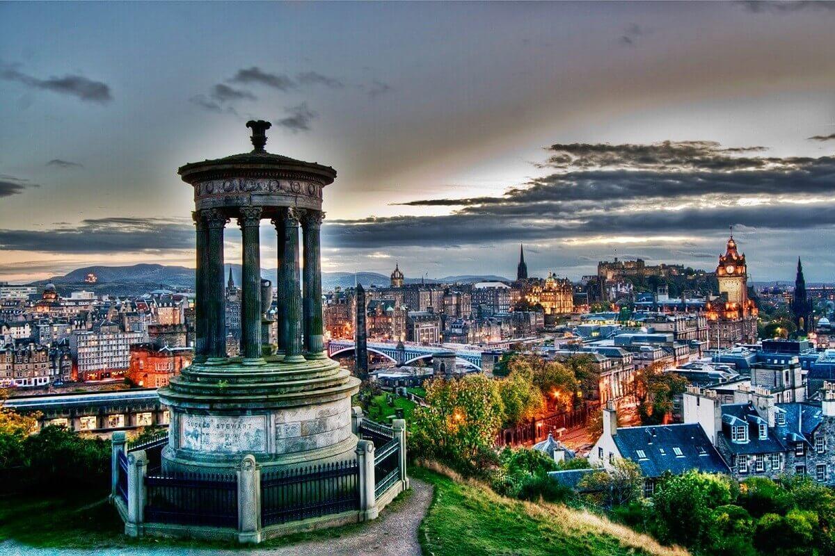 Edinburgh-10-most-romantic-destinations