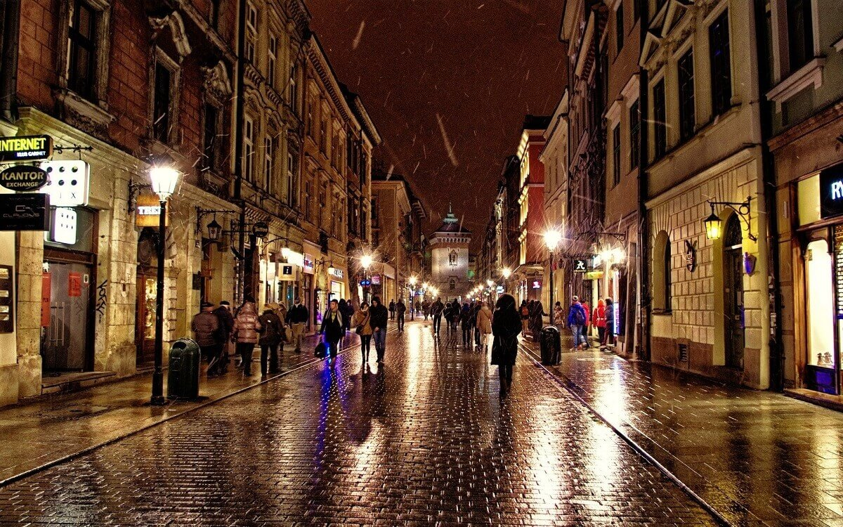 Krakow-European-capital-of-entertainment-Travel-S-Helper