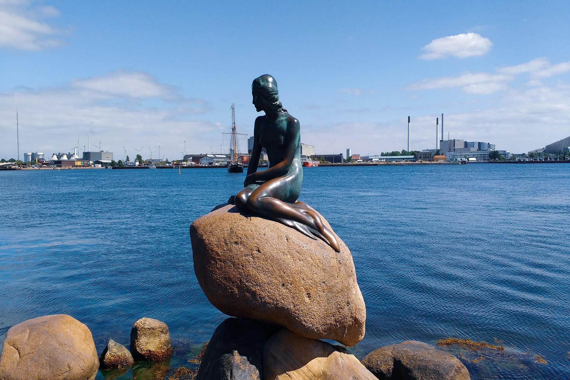 Little Mermaid - Inexpensive Pleasure In Expensive Copenhagen