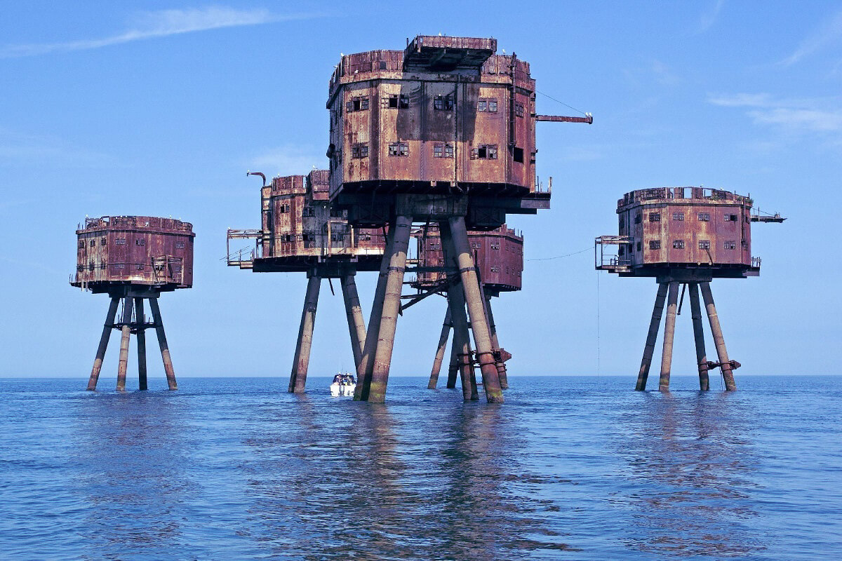 Maunsell Forts - Abandoned places that were once very lively