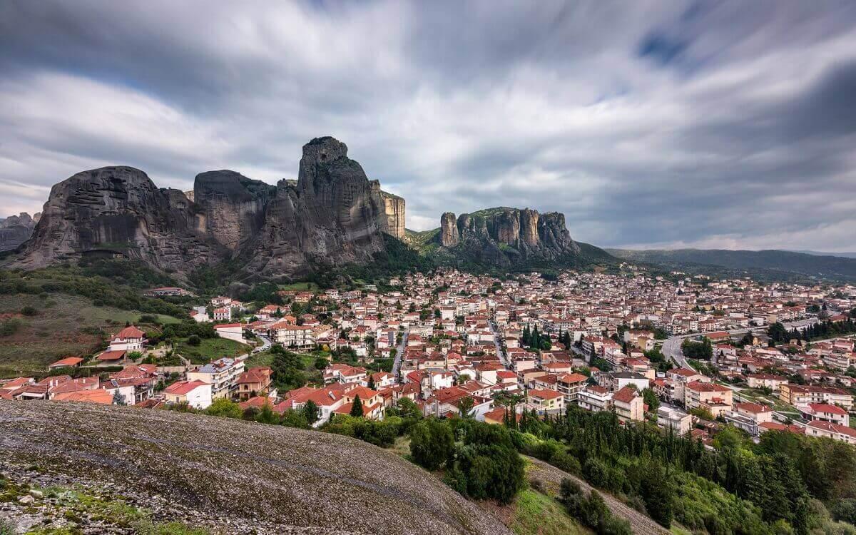 Monasteries Meteora – natural wonder