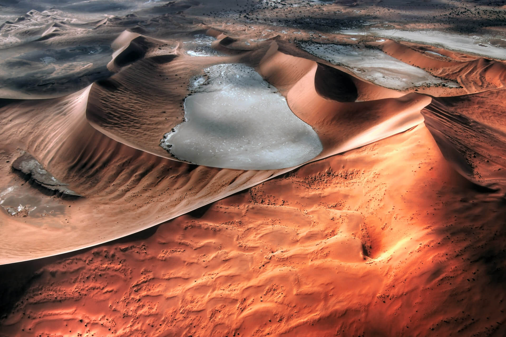 Namib - The Magic Of The Most Beautiful Deserts In The World
