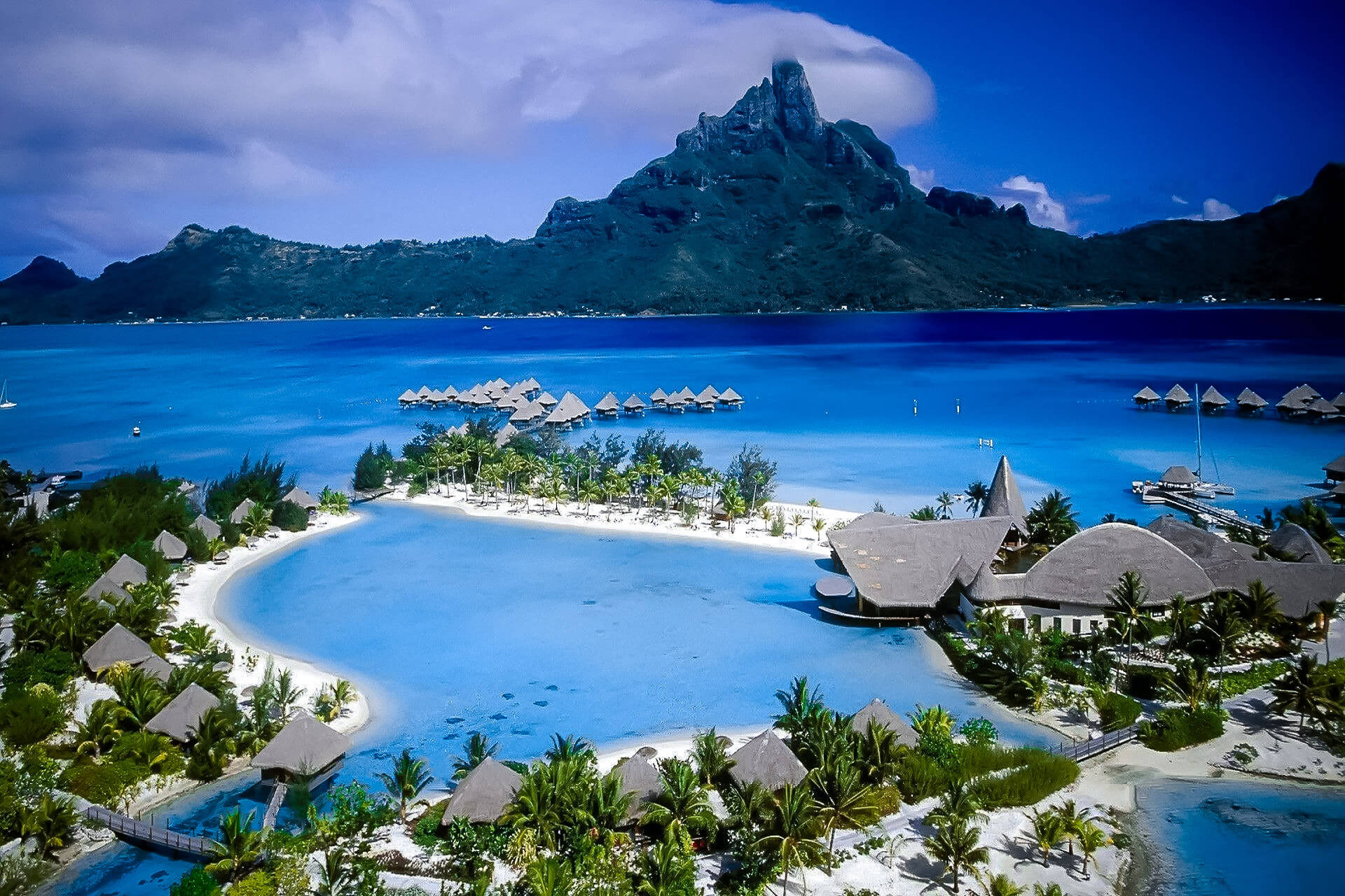 Tahiti - Thousands of miles away from reality