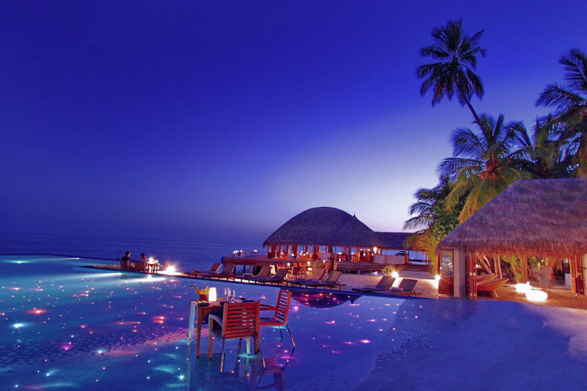The restaurant Huvafen Fushi is located in the Maldives