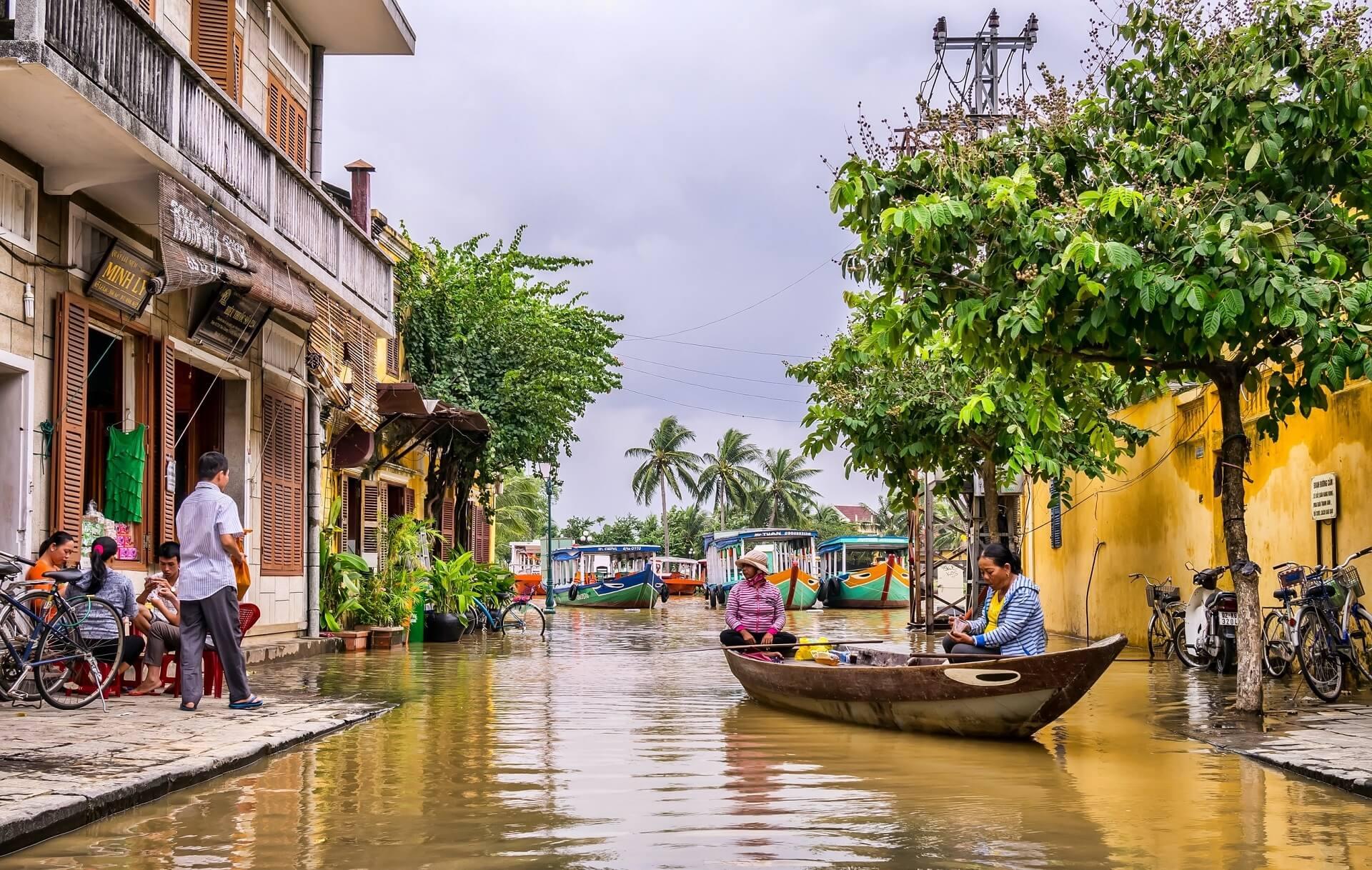 VIETNAM DIVERSITY AT EVERY STEP