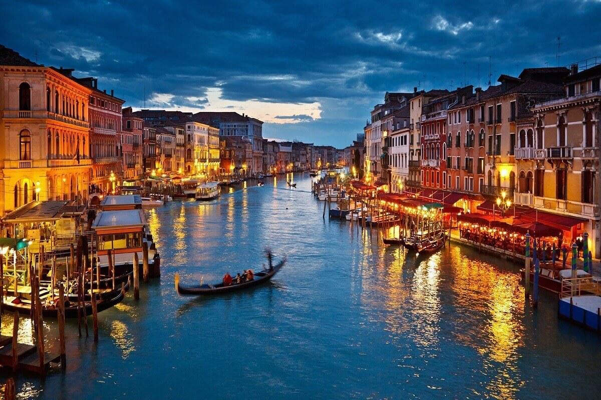 Venice-10-most-romantic-destinations