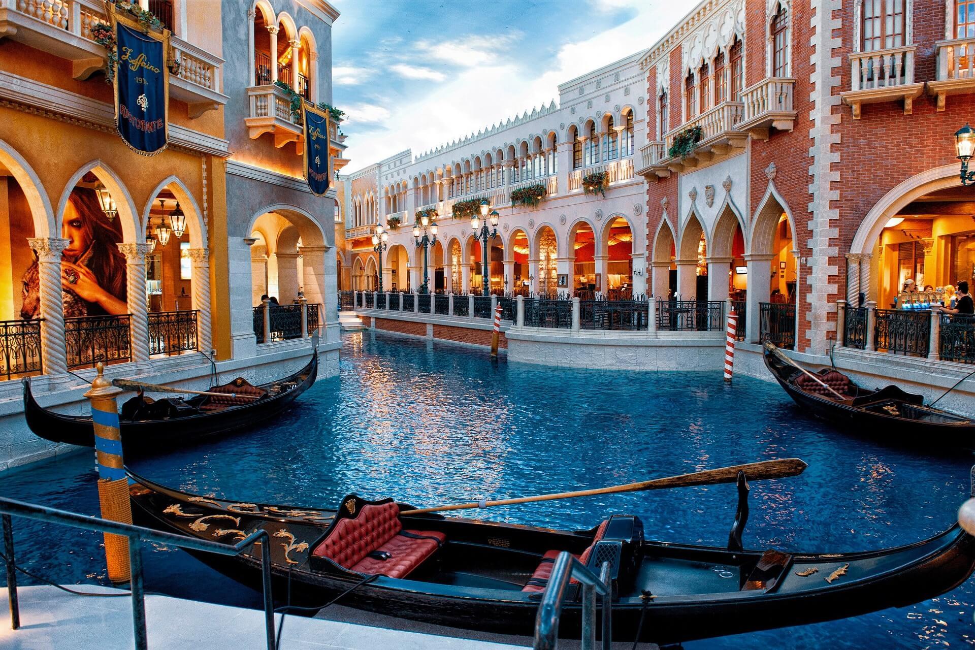 Venice - Cities Where Art Lives